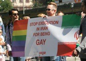 Iran: publiczna egzekucja geja