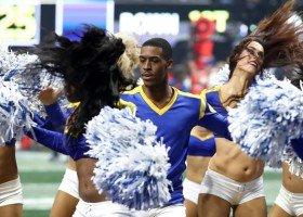 Super Bowl: cheerleaderzy na boisku po raz pierwszy w historii!