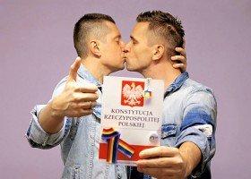 Sąd: Konstytucja nie zabrania równości małżeńskiej?