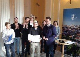 Rafał Trzaskowski podpisał Kartę LGBT+ w Warszawie