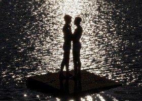 Jednopłciowy pocałunek w nowym teledysku popularnej artystki