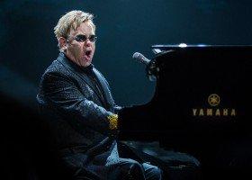 Elton John napisał autobiografię