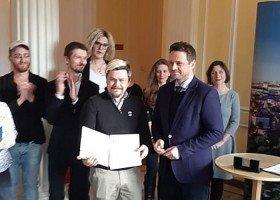 Trzaskowski: nie żałuję podpisania karty LGBT