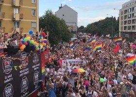 Policja ukarze osoby blokujące trasę poznańskiego Marszu Równości