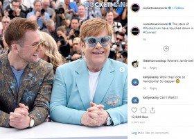 """Elton John: cieszę się, że w """"Rocketmanie"""" jest scena gejowskiego seksu"""