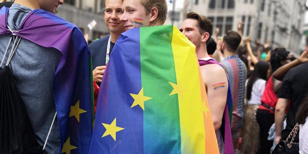 Ankieta Agencji Praw Podstawowych UE dotycząca sytuacji osób LGBTI
