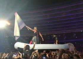 Tęczowa flaga na koncercie zespołu Rammstein w Chorzowie