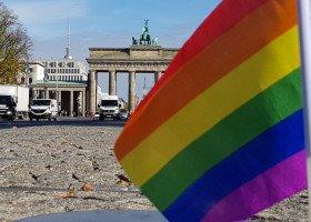 Wyrazy solidarności z Białymstokiem i tęczowa Matka Boska na Berlińskim Pride