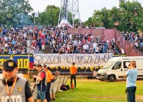 Kibice Pogoni Szczecin przepraszają za grafikę z Polską Walczącą na tęczowej fladze