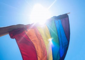Młodzież w Legionowie zbiera podpisy pod petycją przeciw uchwale anty-LGBT