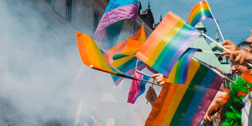 """Propozycje zmiany prawa, by """"zatrzymać LGBT"""", są w Sejmie i w Senacie"""