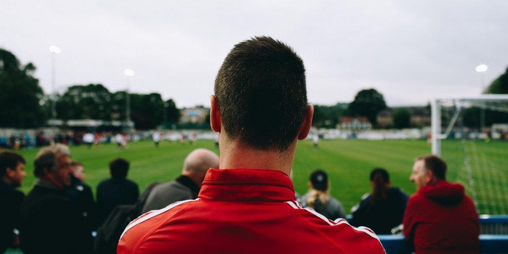 Czy na mecze piłki nożnej w Polsce chodzą osoby LGBTQ?
