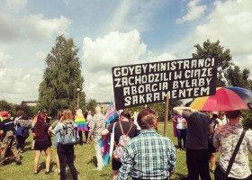 Radomsko: homofobiczne ulotki rozdawane przed Marszem zaskarżone do prokuratury