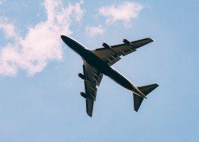 Homofobiczna gazeta na pokładach samolotów linii lotniczych LOT