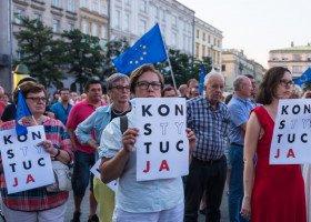 Komisja PE wyśle pismo do przedstawicieli polskiego rządu ws. praw osób LGBT