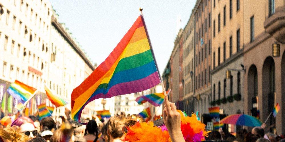 """Lębork odrzuca projekt uchwały o mieście wolnym od """"ideologii LGBT i gender"""""""