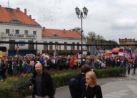Tęczowy marsz dla życia i rodziny