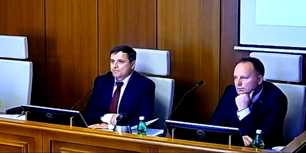 """Stary Sącz przeciwny """"ideologii gender"""" i LGBT - radni przyjęli rezolucję"""