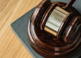 """Sąd odrzucił prywatną skargę na uchwałę """"anty-LGBT"""""""