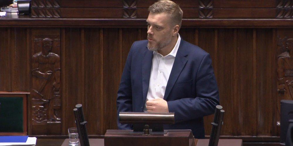 Exposé: Adrian Zandberg w ostrych słowach komentuje rząd Morawieckiego