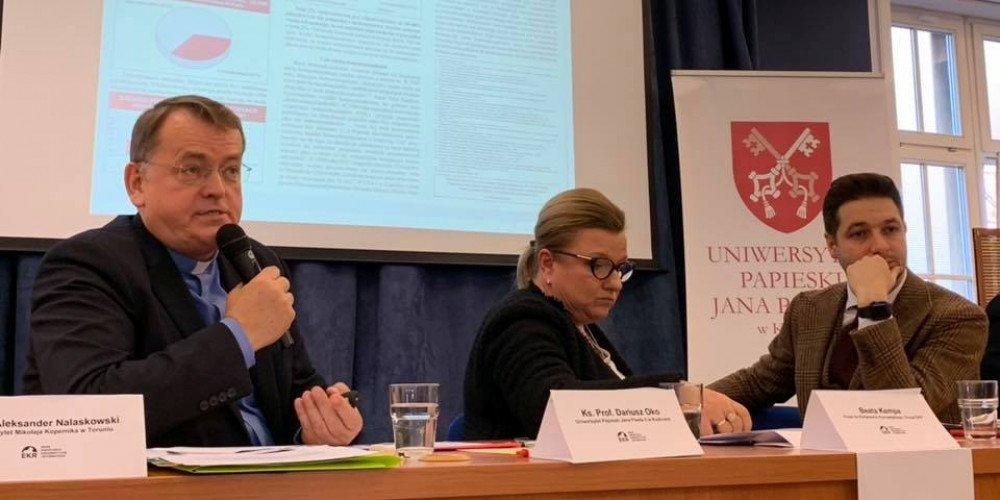 Z inicjatywy Patryka Jakiego w Krakowie odbyła się homofobiczna debata o LGBT