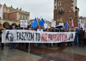 Kraków: ulicami miasta przeszedł marsz antyfaszystowski