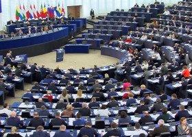 """PE przyjął rezolucję przeciwko polskim """"strefom wolnym od LGBT"""""""