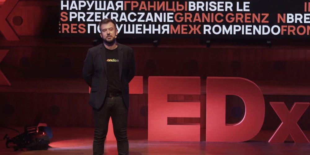 Przemysław Staroń na TED: ja, uciekinier z jaskini Platona