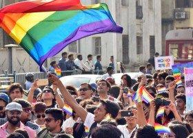 Osoby LGBTQ protestują przeciwko ustawie dyskryminującej mniejszość muzułmańską