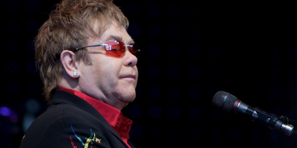 Elton John wiedział o decyzji księcia Harry'ego przed królową Elżbietą II?