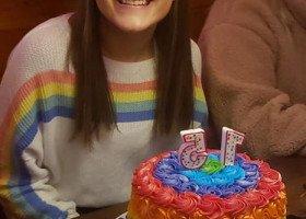 15-latka wyrzucona z chrześcijańskiej szkoły za... tęczowy tort urodzinowy