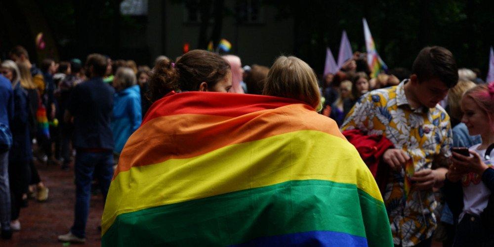 Oslo: protest solidarnościowy z osobami LGBT pod ambasadą Polski