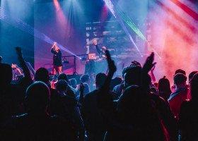 Pomimo epidemii tysiące osób wzięło udział w imprezie circuit queen