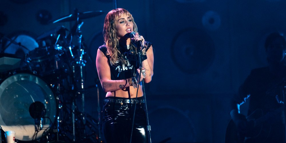 Miley Cyrus: odeszłam z Kościoła przez wrogość wobec osób LGBT+