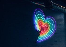 Queerowy Maj uruchamia wsparcie psychologiczne on-line