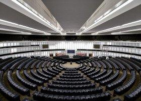 45 europarlamentarzystów w liście do polskich uniwersytetów
