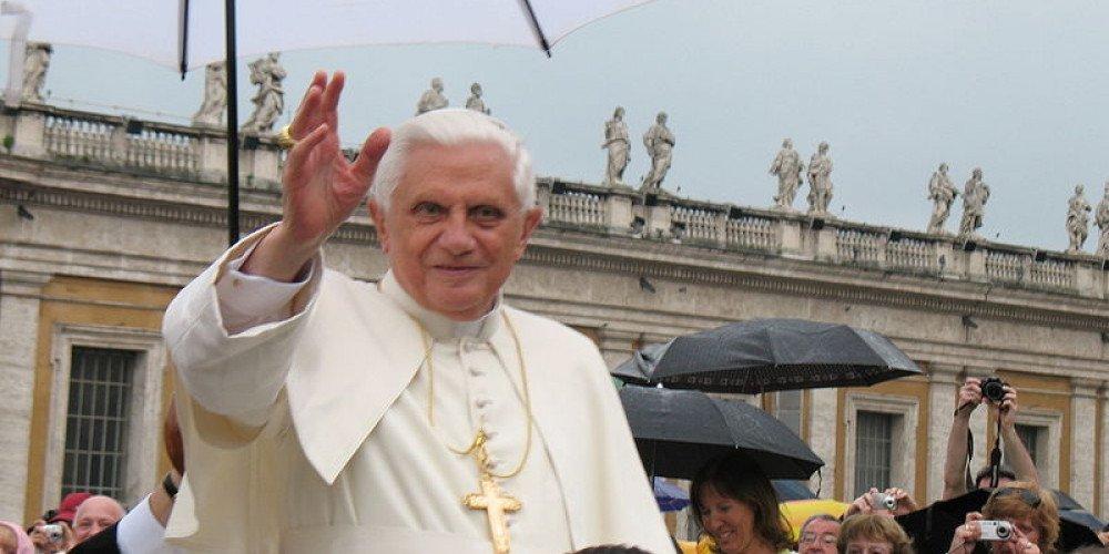 """Papież emeryt o jednopłciowych małżeństwach, aborcji i """"strachu przed antychrystem"""""""