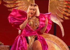 """Nicki Minaj śpiewa, że """"kiedyś była bi, a teraz jest hetero"""""""