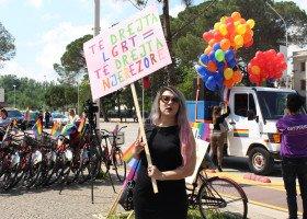 """Albania trzecim krajem europejskim z zakazem przeprowadzania """"terapii"""" konwersyjnych"""