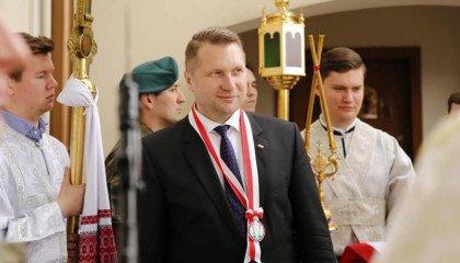 """Poseł PiS: za molestowanie dzieci w kościele odpowiadają """"homoseksualiści"""""""