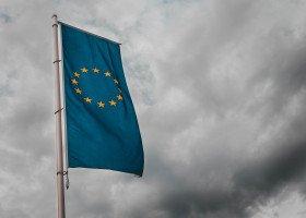"""Komisja Europejska upomina województwa """"wolne od LGBT"""""""