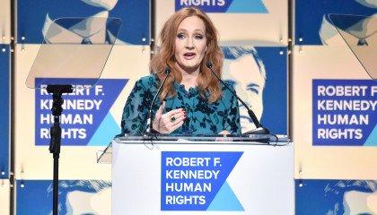"""Gwiazdy """"Harry'ego Pottera"""" odpowiadają J. K. Rowling i wspierają osoby trans"""
