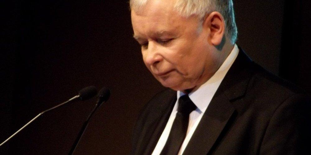 """Kaczyński wzywa PiS do """"maksymalnej mobilizacji"""" przeciwko Trzaskowskiemu"""