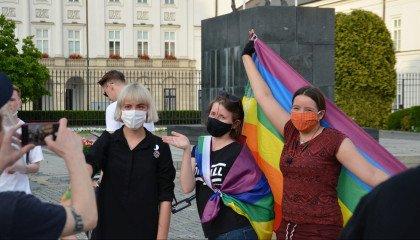 Młodzież LGBTQ tańczyła w proteście przeciwko homofobicznej Karcie Rodziny