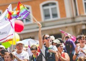 Szwajcaria coraz bliżej równości małżeńskiej