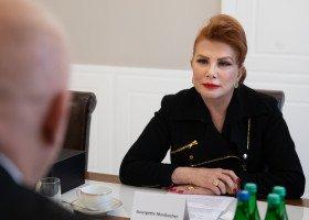 """""""Dziennik"""" donosi o interwencji ambasadorki USA ws. LGBT u prezydenta"""
