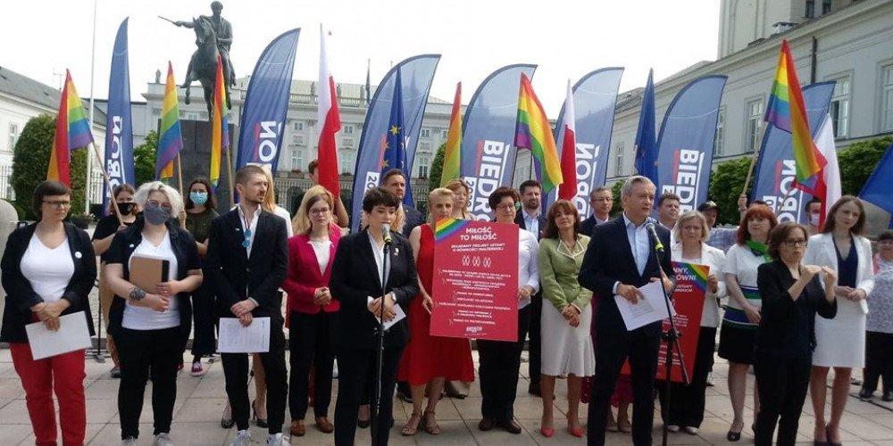 Lewica składa projekty ustaw o równości małżeńskiej i związkach partnerskich