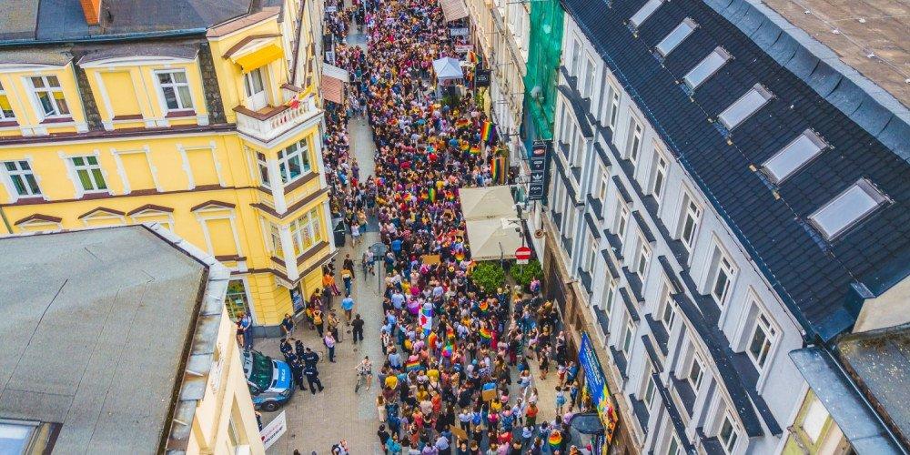 Poznań: manifestacja w obronie praw osób LGBT+