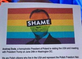 """""""Wolę być LGBT niż długopisem"""" - czyli jak Waszyngton przywitał Dudę"""