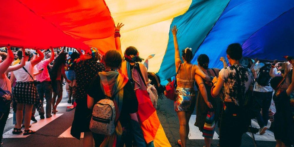 Historia marszów równości na zakończenie Miesiąca Dumy
